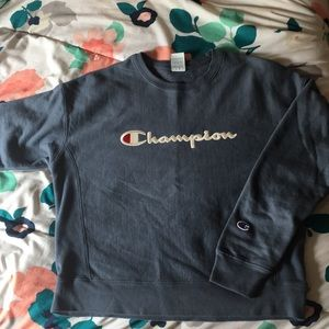 Champion Large Cropped Sweater